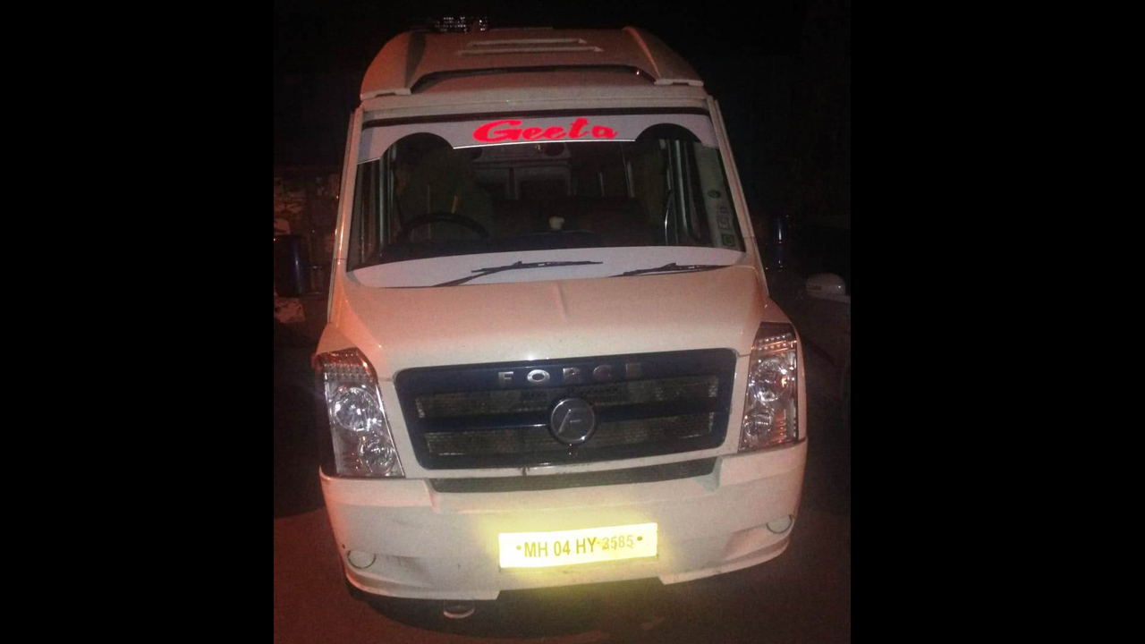 16 Seater Normal Tempo Traveller