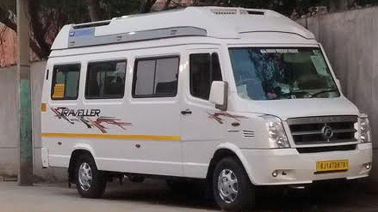 9  Seater Deluxe Tempo Traveller Hire