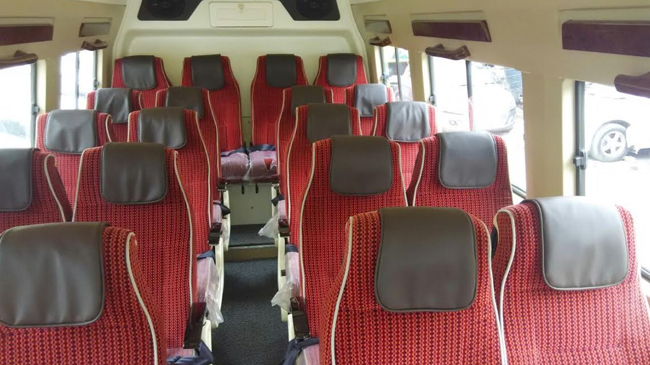 20 Seater Luxury Tempo Traveller